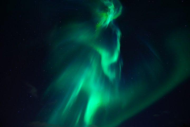 universo elettrico-aurora boreale